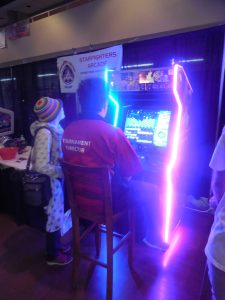 There were some great tournaments and demonstrations all weekend. Here's Seattle Sid playing Mr. Driller. He was going for a new world record.